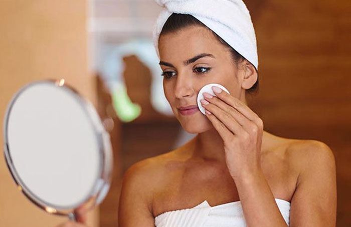 Read more about the article The effects of over-the-counter-cosmetics and cosmeceuticals on your skin