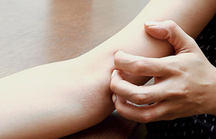 Read more about the article Itching down there, ladies? Here are 8 reasons why